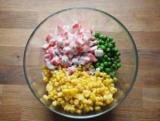 Экспресс-салат из крабовых палочек