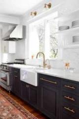 Фарбування кухонних фасадів. Реставрація кухонного гарнітура своїми руками